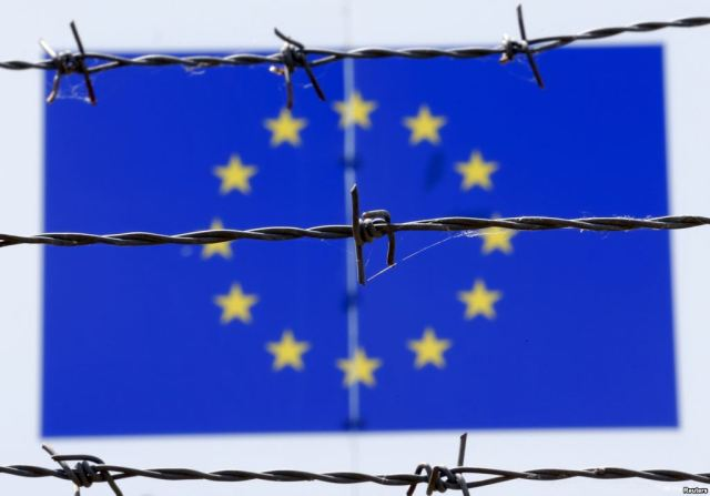 Barbed-wire-European-union-flag